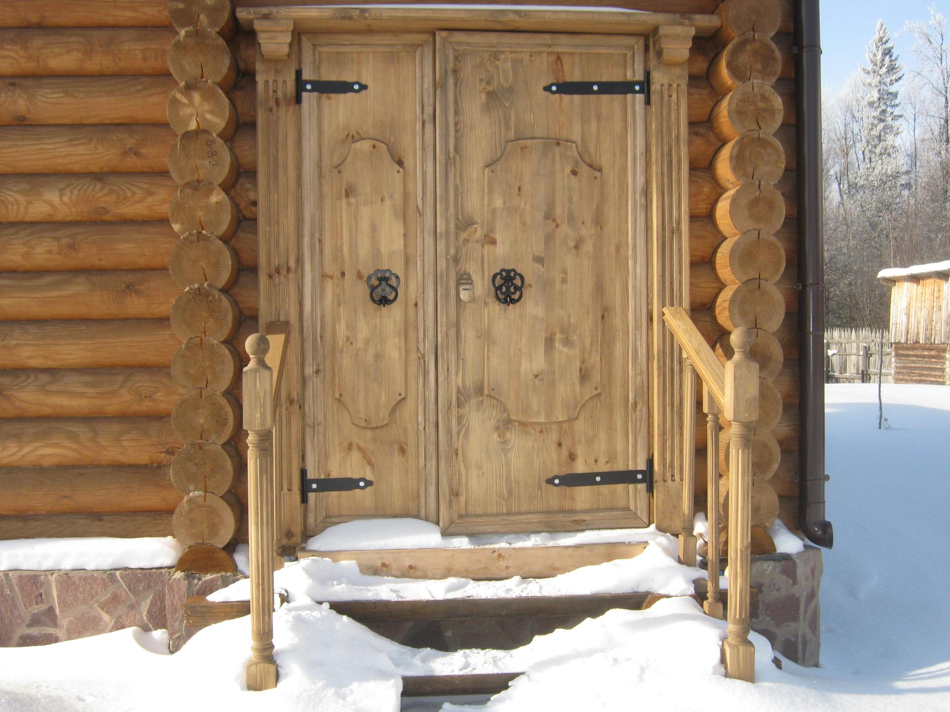 Двери бани своими руками